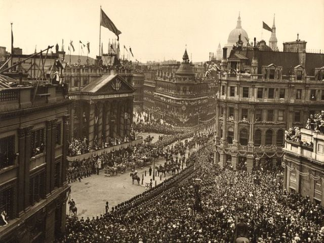 Diamond Jubilee procession
