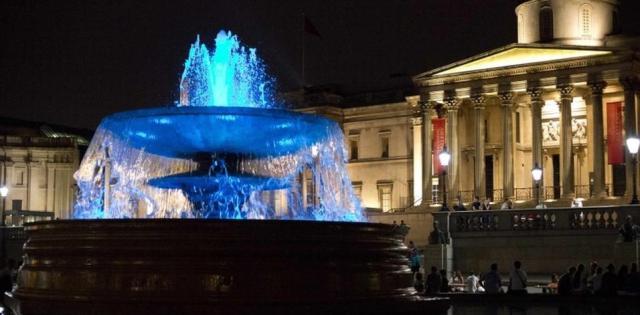 untains in Trafalgar Square