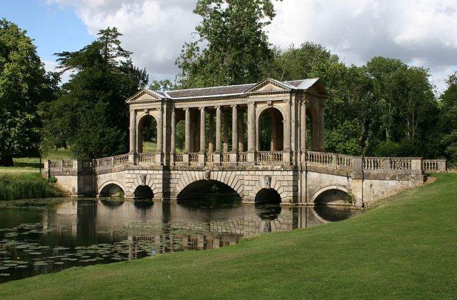 800px-Stowe_Park_Palladian_bridge