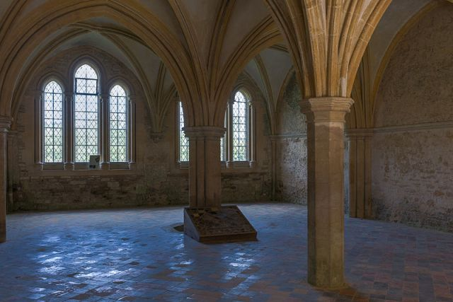 Chapter House of Lacock Abbey (photo by Dilif)