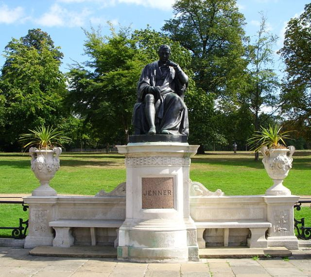 Memorial to Edward Jenner in Kensington Gardens.  Photo  by Iridescent