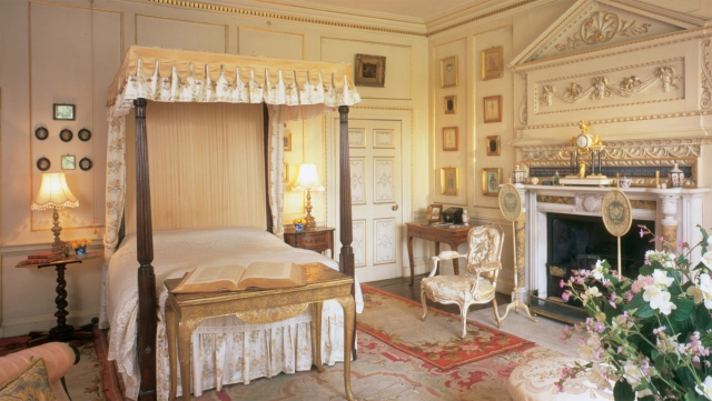 Mrs-Elizabeth-Bulwer-Lyttons-Bedroom