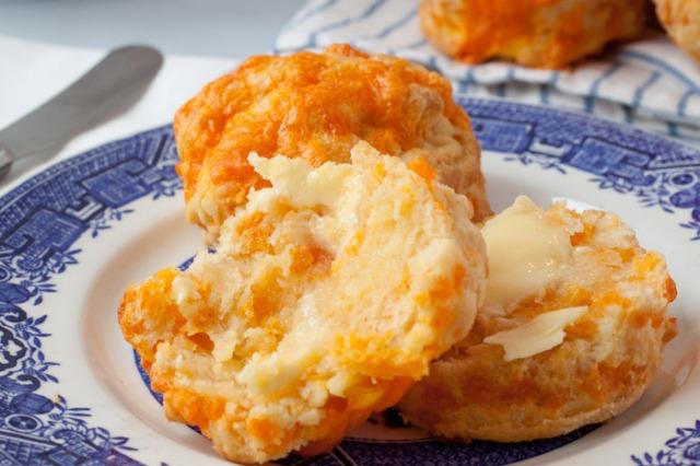 cheese-scones-59bbf547-f4ce-4f06-b033-12dc2ffabacb-0-700x466