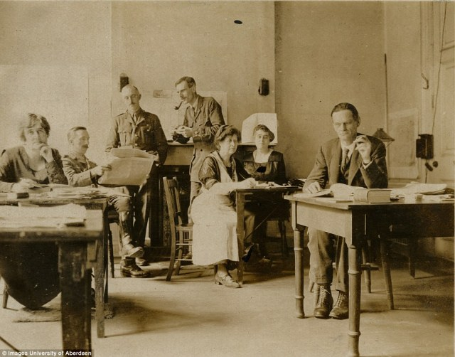 The WW1 code-breakers at work in Room 40.  Photo copyright Aberdeen University