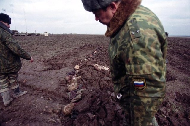 Russian War Crimes in Chechnya were numerous... here a half-hearted attempt at a mass-grave