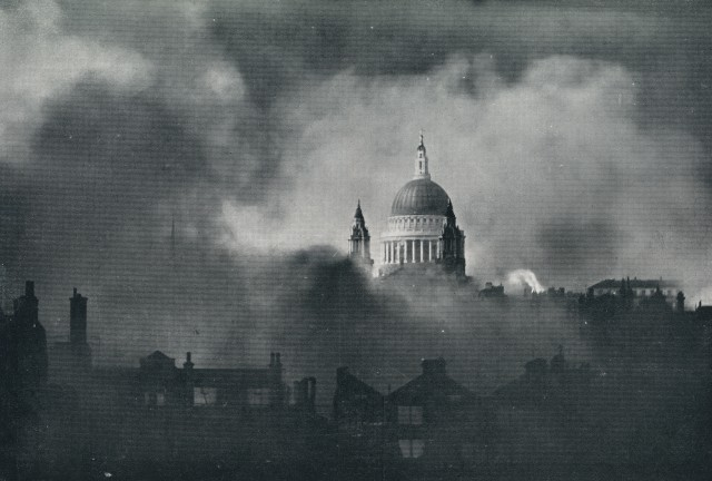 st-_pauls_cathedral_seen_through_smoke_of_london_fire-bombing_29th_december_1940.jpg