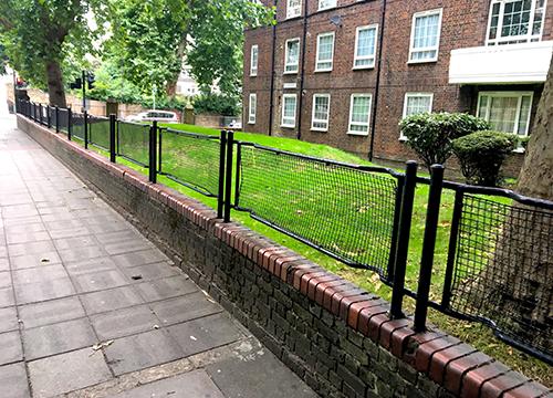 ARP Stretcher fencing in situ.