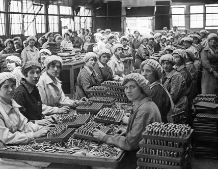 Women working in a small munitions factory at Woolwich Arsenal.