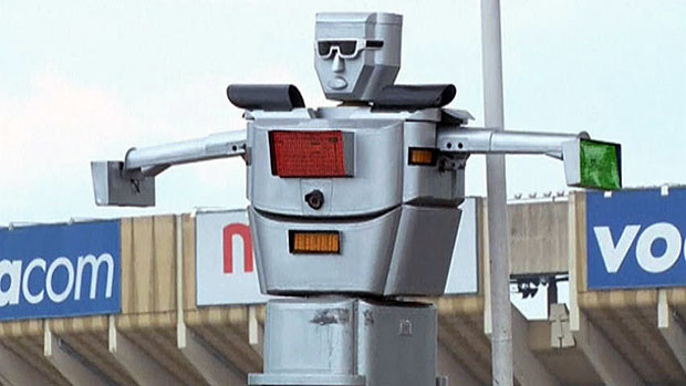 kinsasha-robot-policemen