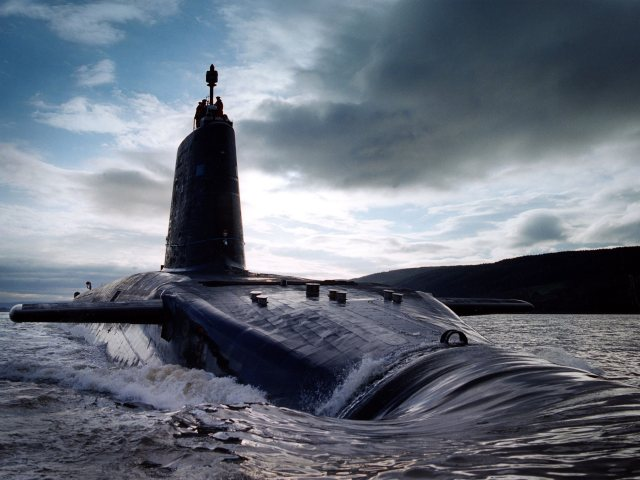 HMS Victorious a Royal Navy Nuclear Submarine at the Forth Estuary. Photo: LA(phot) Mez Merrill/MOD