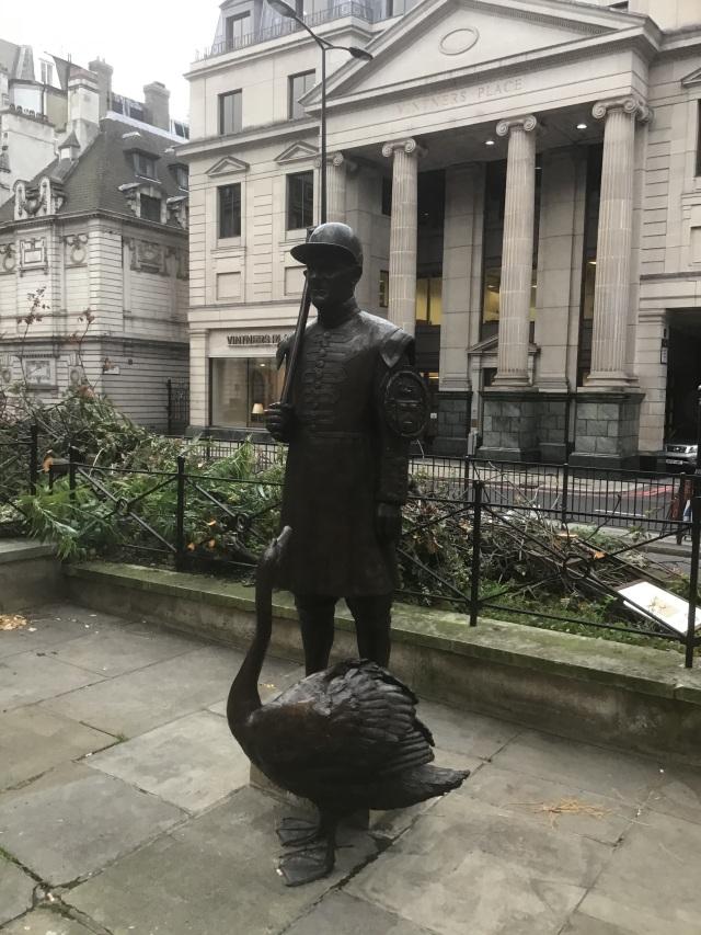 Vintner Statue Swan Upping